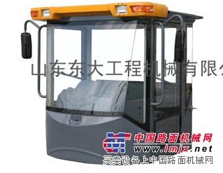 中国龙工 品质赢得尊敬 LG855B驾驶室济宁专卖