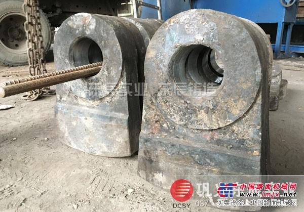 高铬多元合金耐磨锤头东辰铸造出货快
