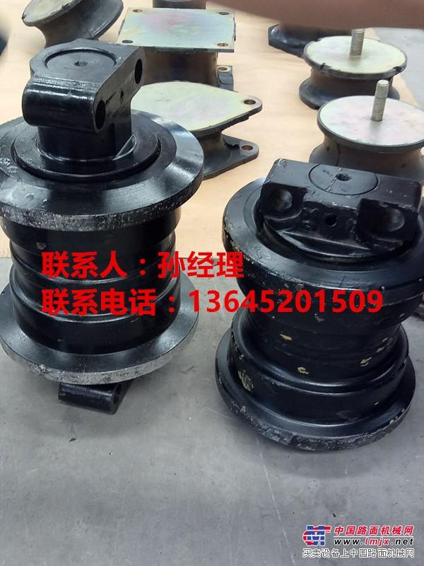 三一SAP240C-5履带式摊铺机支重轮厂家报价