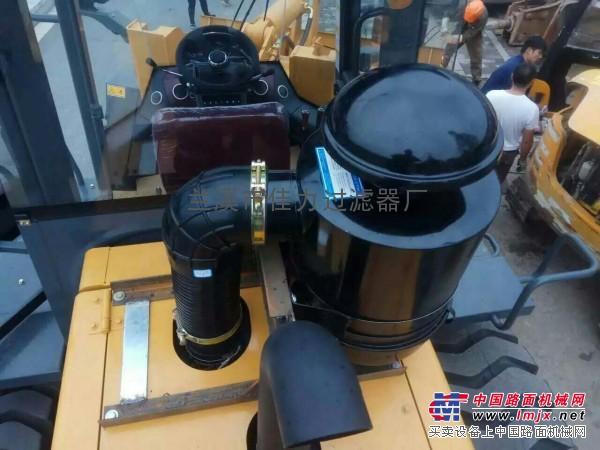 供应10T装载机   33T挖机油浴式滤清器总成(原装配套)
