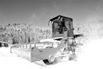 雪狮清道夫四型除雪设备亮相雪乡