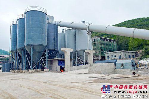全国首个连续级配高效搅拌楼在贵阳建成投产