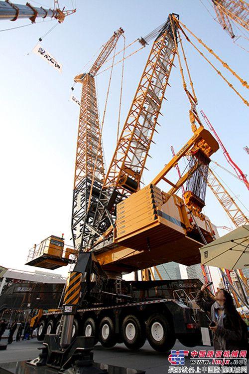 轮式 起重机 桁架 xcl800 徐工/XCL800轮式桁架臂起重机2012宝马展英姿