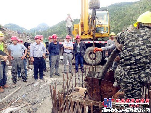 贵州省道安高速公路石子窝大桥第一根桩基成功浇筑