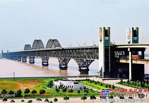 江西:九江长江大桥下月大修 总投资4.6亿