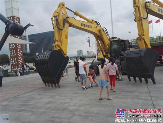 力士德一个忠实客户的购机日志 力士德举行北京武警消防定制机发