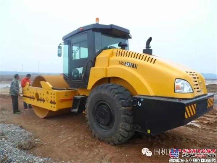中国第四代单钢轮振动压路机