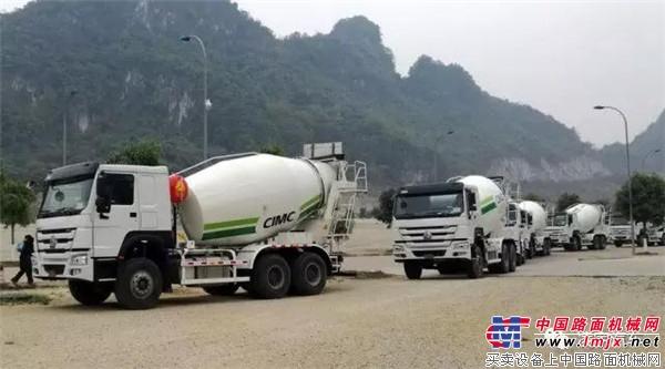 """凌宇刮起海外风,20台搅拌车""""涌向""""东南亚"""