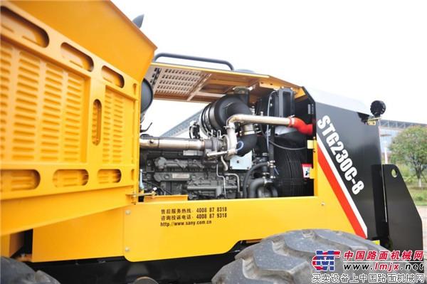 高品质、高效率、关键还省油  三一C8系列平地机成功下线