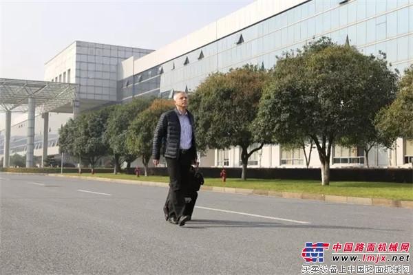 """中联人的一天:高颜值德国大叔在中国耕耘""""干混砂浆""""梦"""