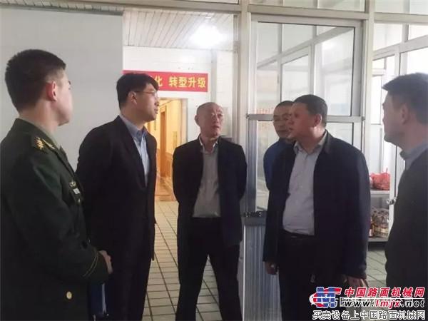 海阳市公安、消防系统领导检查方圆大酒店安全工作