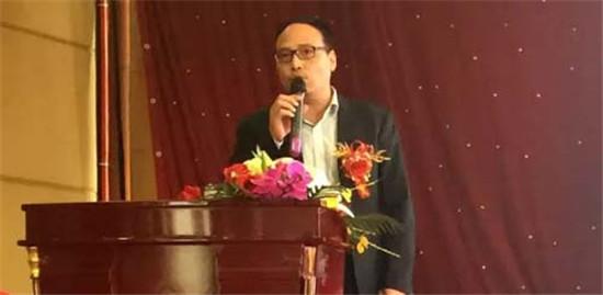 中集凌宇:三晋大地现新潮液罐车,引来200多人围观