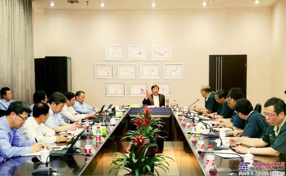 谭旭光董事长率队到山推调研 看望慰问一线员工