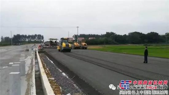 戴纳派克CA610D在沅澧快速干线6号大道S320工程压实纪实