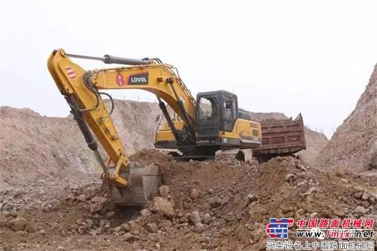 沃FR370E挖掘机土方作业-矿山中的钢铁侠丨雷沃FR370E挖掘机实