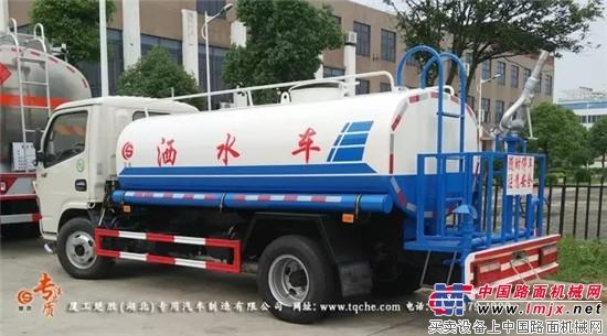 国五东风多利卡D6五吨洒水车