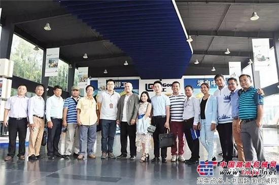 柬埔寨主流媒体到访 大赞柳工中柬合作项目建设中发挥重要作用!