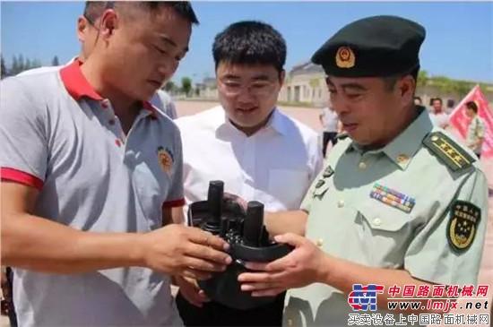 三一无人驾驶遥控挖掘机成功交付西安武警交通部队
