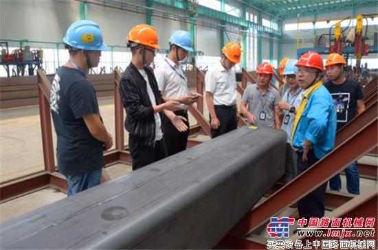 安徽柳工起重机与大明展开技术交流