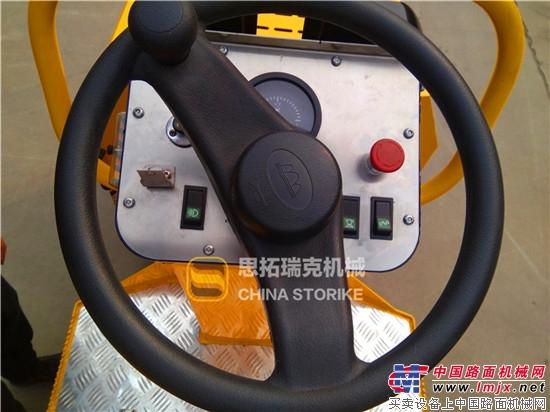 小型压路机三种方向盘常见故障