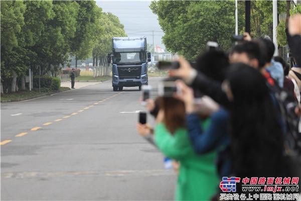 东风商用车举办智能网联技术论坛  L4智能卡车首次公开亮相