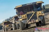 卡特彼勒第5000台793矿用卡车下线