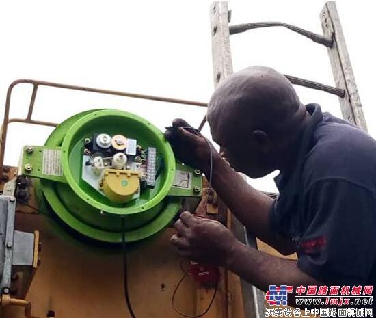 起重机力矩限制器在非洲快速推广