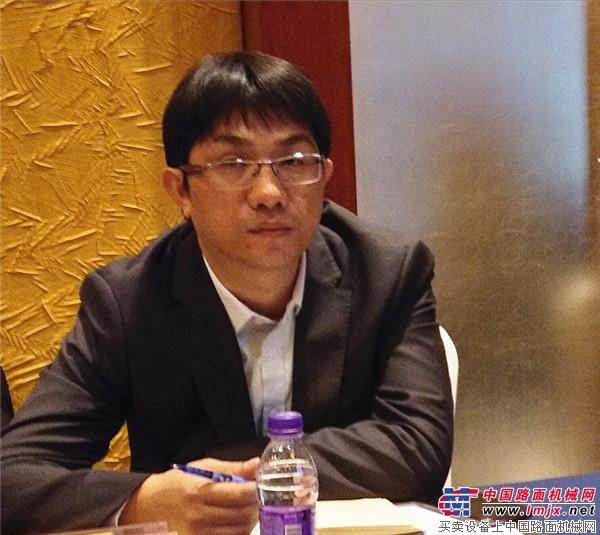 中国路面机械网总经理方剑仙