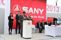 三一路机德国宝马展举行国际客户签约仪式