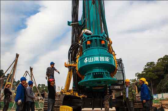 山河智能SWDM42旋挖钻正在装机