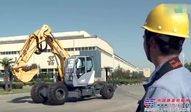 徐工步履式挖掘机在测试现场