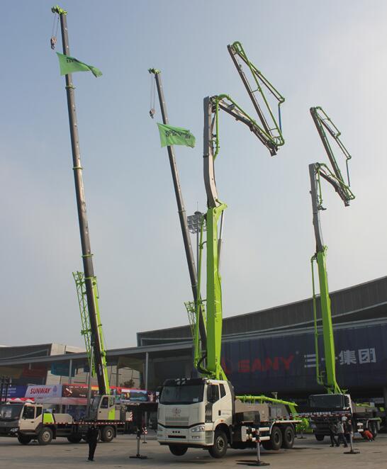 中联重科起重机设备展示