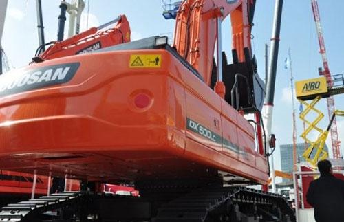 斗山大型矿山挖掘机DX500LC