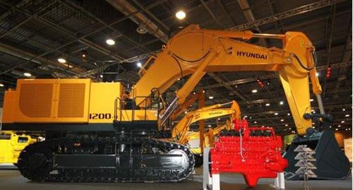 现代重工 R1200-9型120吨挖掘机