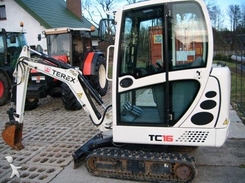 特雷克斯TC16型双驱动小型挖掘机