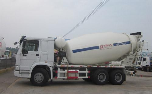 通亚汽车CTY5256GJBBJ搅拌运输车
