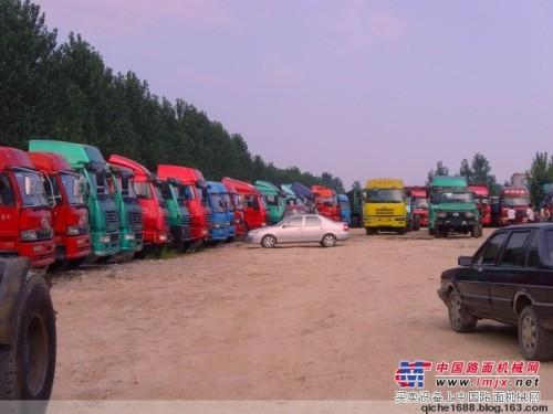 梁山文明二手卡车交易市场