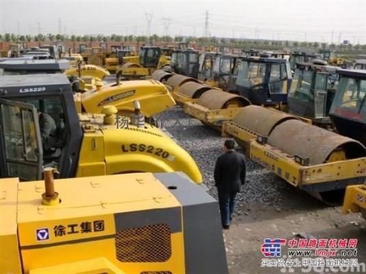 供应湖南地区二手压路机,二手装载机,二手挖掘机