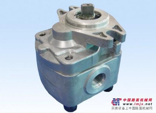 维修中铁提梁机液压马达及泵