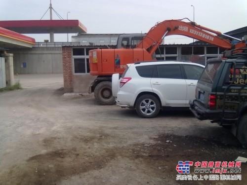 出租出租小挖掘机,出租轮式挖掘机。
