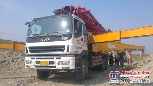 转让或出租09年底单位46米五十铃Q3三一重工泵车