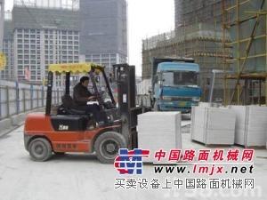 叉车出租-上海杨浦区电动叉车出租-机器移位吊装-牵引车出租