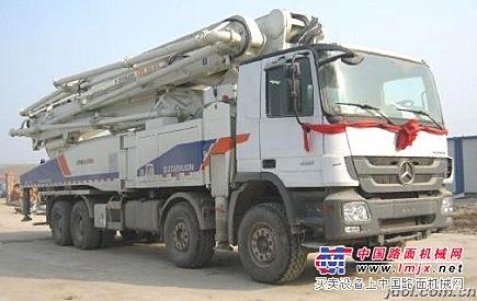 专业出租混凝土输送泵车