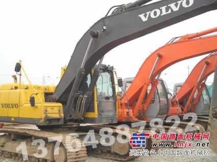 供应荆州二手挖掘机市场﹕黄石二手挖掘机市场