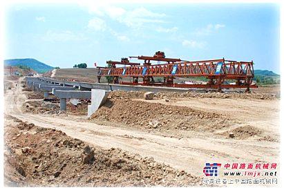 架桥机含运梁车4-5万/月,龙门吊一对2万/月 出租,及出售