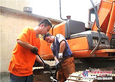 安庆叉车维修,安庆二手叉车收售,配件供应,合肥中力