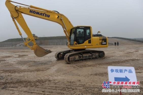 新疆乌鲁木齐小松挖掘机维修厂,小松修理厂