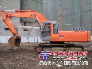 日立zx200-1挖掘机掉臂严重,收都响声很大
