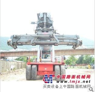 港口集装箱搬运设备 正面吊 龙门吊