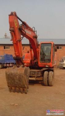 挖掘机出租 挖掘机破碎出租 挖掘机租赁 轮式挖掘机